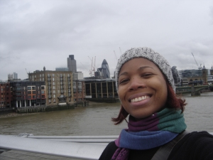 Eu na Millenium Bridge